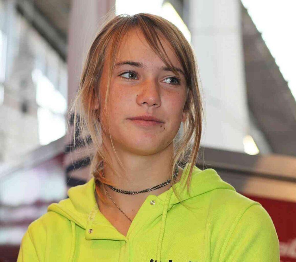 Laura Dekker is volgens Jeugdzorg nog niet in staat een reis rond de wereld te maken.