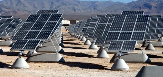 In Amerikaanse woestijnstaten is het break even punt nu al in de buurt. Zonne-energie is daar al goedkoper dan fossiel.