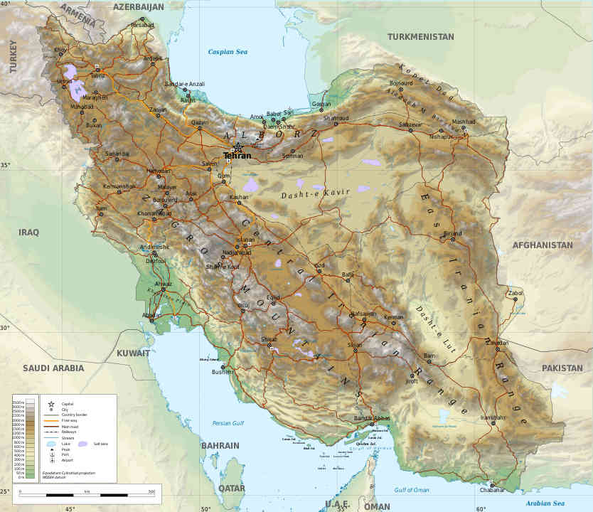 Het bewoonde deel van Iran bestaat uit bergketens, die een lege woestijn omringen. Bizar, maar Iran doet het als land door de eeuwen heen redelijk goed.