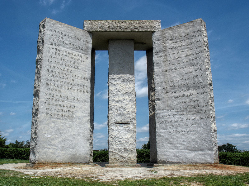 De Georgia Guidestones. Post-apocalyptische boodschap? Bron: Wikimedia Commons