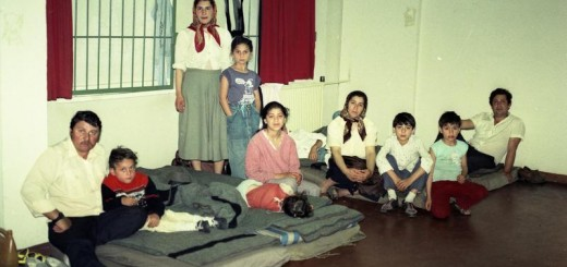 Roemeense asielzoekers in de toenmalige DDR, rond de Wende in 1989. Bron: Wikimeia Commons ex. Bild archief.