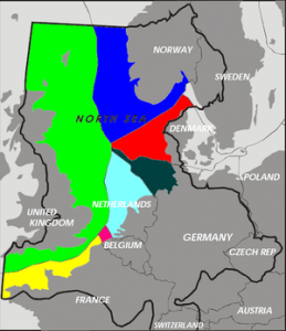 De Nederlandse Exclusieve Economische Zone, on dit kaartje lichtblauw, is anderhalf keer zo groot als Nederland zelf. Bron: Wikimedia Commons