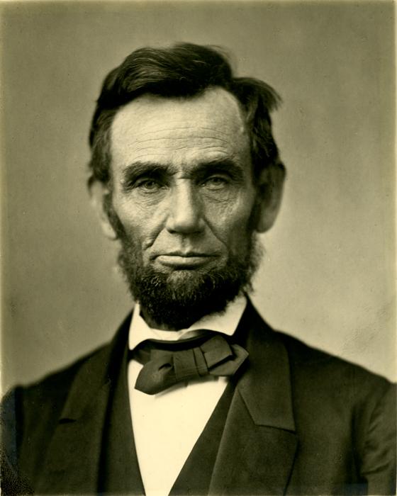 Abraham Lincoln leidde de Unie tijdens de Amerikaanse Burgeroorlog. Hij was een goede leider omdat hij zowel een goede machiavellist was, als een idealist.