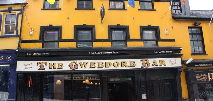 Pubs namen de rol van banken over in het Ierland van 1970. Bron: Wikimedia Commons