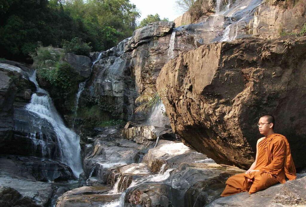 Klopt de boeddhistische stelling dat alle lijden uit begeerte voortkomt?