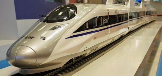 Deze Chinese hoge-snelheidstrein is een voorbeeld van de steeds grotere voorsprong die CHina op technisch gebied krijgt. Bron: public domain/RichardMc (Pixabay)