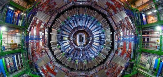 De CMS-detector. Op dit moment, december 2020, worden de vele terabytes aan data uit dit experiment nog steeds gebruikt. Bron: CERN