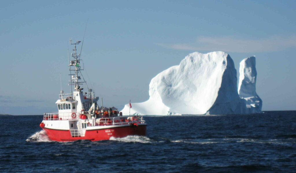 Een ijsberg in de buurt van Upernavik, Groenland. Maakte het smelten van grote hoeveelheden ijs de Noordelijke IJszee zoet? Bron: Kris Hanson/Wikimedia Commons